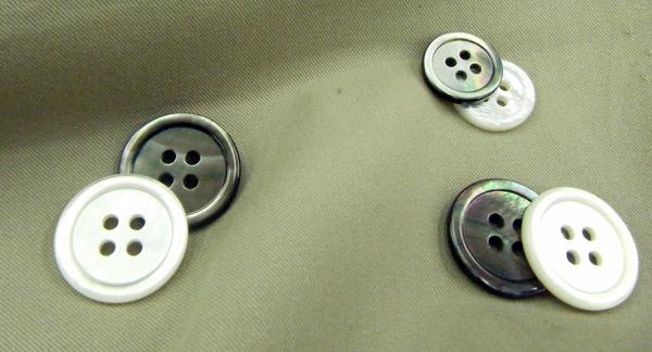 白・黒蝶貝ボタン