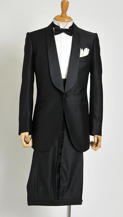 Tuxedo(タキシード:午後5時からの正礼装)